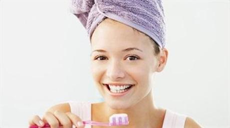 Tụt lợi vì đánh răng sai cách