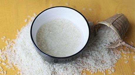 Để trẻ ra 10 tuổi bạn chỉ cần sử dụng nước gạo