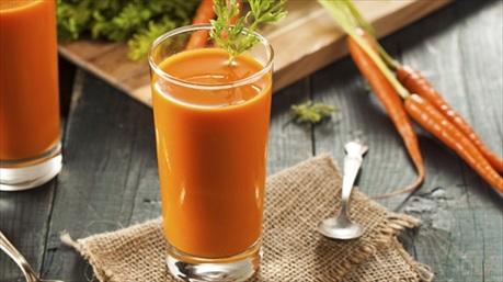 8 tháng uống nước ép cà rốt cứu sống bệnh nhân ung thư giai đoạn cuối