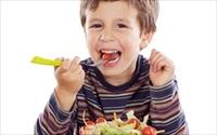 Cho trẻ uống thuốc kích thích ăn ngon tăng cân: 1 lợi 10 hại