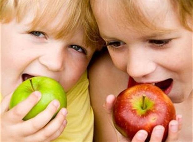 6 phép lịch sự khi ăn uống mẹ nhất định phải dạy con