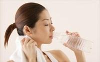 5 sai lầm ai cũng mắc khi uống nước