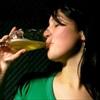 Đẹp da, mượt tóc, trị mụn... nhờ bia