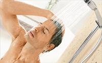Lợi ích của tắm nước lạnh vào buổi sáng không phải ai cũng biết
