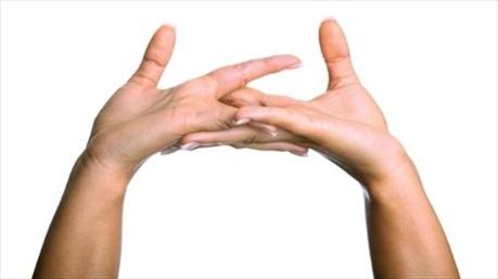 4 tác hại khôn lường khi bẻ khớp ngón tay