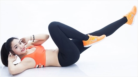 4 bài tập chữa đau lưng đơn giản cho người bận rộn