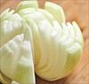 Hành tây có khả năng tẩy trắng quần áo và làm sạch nhiều vật dụng trong nhà bếp