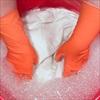 Cách khử trùng quần áo tại nhà để phòng tránh nguy cơ lây lan virus COVID-19