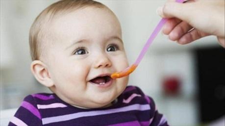 Sử dụng dầu cho bé ăn dặm - Dùng thế nào mới đúng?